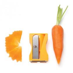 Grattugie, affettare, tritare, sbucciare: Karoto affetta carote assortito