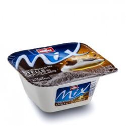 Müller Mix Yogurt bianco più stelle al cioccolato 150 gr.